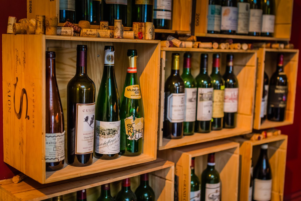 Praelum Wine Bistro Singapore ,